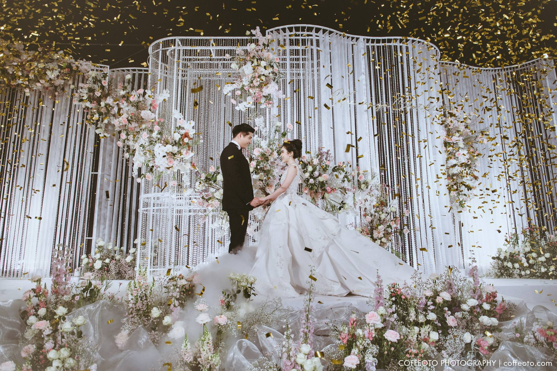 """""""Loving you gives meaning to my day"""" Cherry & Pond's wedding"""